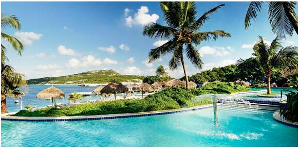 FLIGHTS, ACCOMMODATION AND MOVEMENT IN CURACAO
